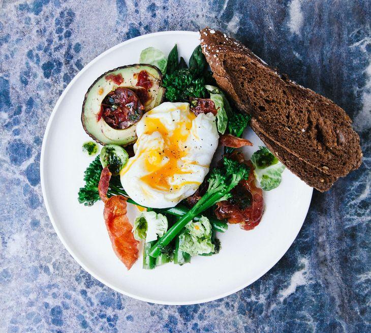 吃對食物且營養均衡可幫助控制食慾